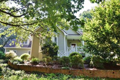 Gainesville  Single Family Home For Sale: 2506 N Oaks Pl