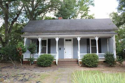 Carrollton Single Family Home Under Contract: 419 Longview St