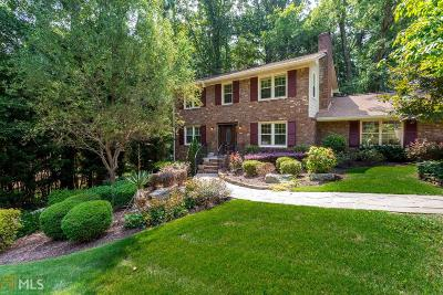 Roswell Single Family Home For Sale: 340 Knoll Woods Ter