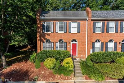 Roswell Condo/Townhouse For Sale: 7814 St Charles Sq