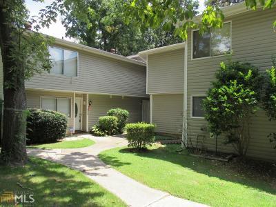 Clayton County Condo/Townhouse For Sale: 8570 Creekwood Way