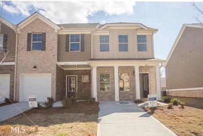 Clayton County Condo/Townhouse For Sale: 1965 Old Dogwood #70