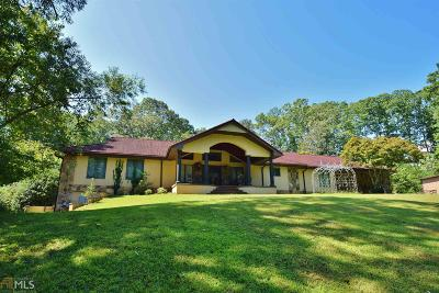 Gainesville Single Family Home For Sale: 1025 Lakeshore Dr