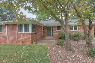 Monroe Single Family Home For Sale: 209 Pinecrest Dr