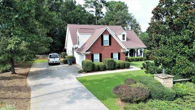 Single Family Home Sold: 100 Moss Pointe Dr