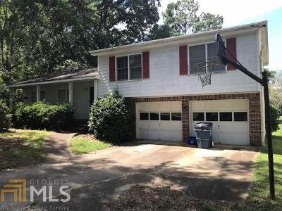 Snellville Single Family Home Under Contract: 4249 Castle Gate