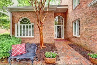 Roswell Single Family Home For Sale: 2605 Camden Glen