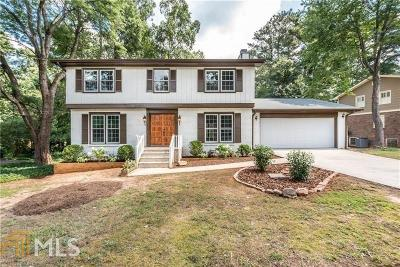 Lilburn Single Family Home For Sale: 516 Angie Way