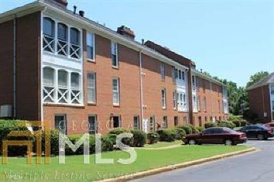 Marietta Condo/Townhouse For Sale: 1166 N Booth Rd #911