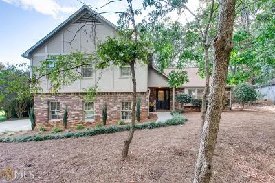 Roswell Single Family Home For Sale: 580 Meadowglen Trl
