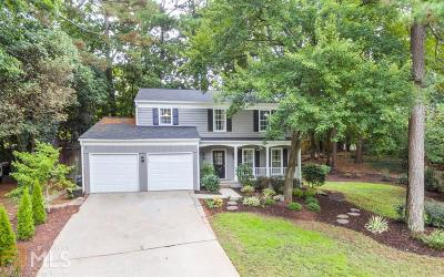 Roswell Single Family Home For Sale: 185 Laurel Mill Ct