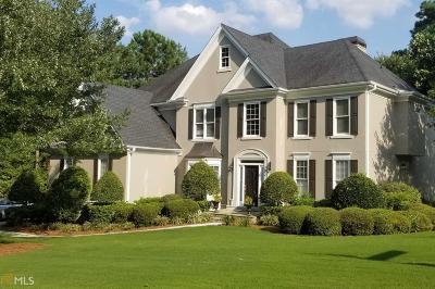 Johns Creek Single Family Home For Sale: 800 Winding Bridge