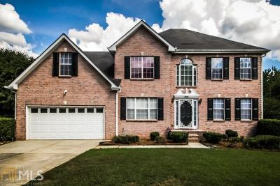 Lithonia Single Family Home For Sale: 5664 Winchester Pl