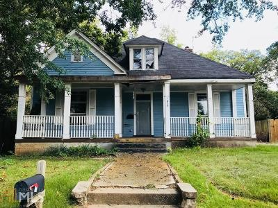 Oakland City Single Family Home Under Contract: 1039 White Oak Ave