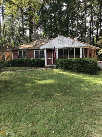 Single Family Home For Sale: 1660 Briarcliff Rd
