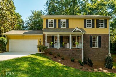 Roswell Single Family Home Under Contract: 445 Stonebridge Dr