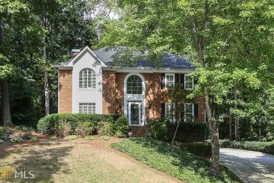 Roswell Single Family Home New: 615 Highlands Ct