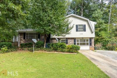 Clarkston Single Family Home Under Contract: 1085 De Leon Dr