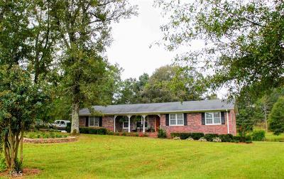 Monroe Single Family Home For Sale: 999 Gene Bell Rd