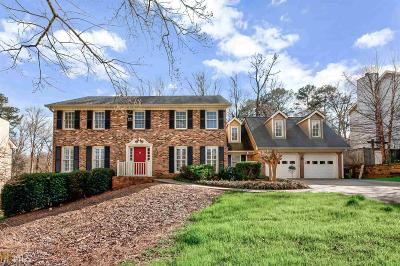 Marietta Single Family Home For Sale: 510 Creekwood Dr