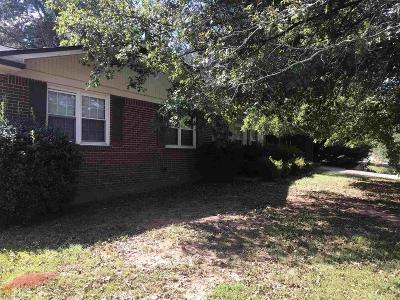 Conyers Single Family Home For Sale: 1035 SE Waterside Dr