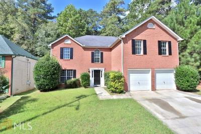 Stone Mountain Single Family Home For Sale: 923 Carriage Trace Cir
