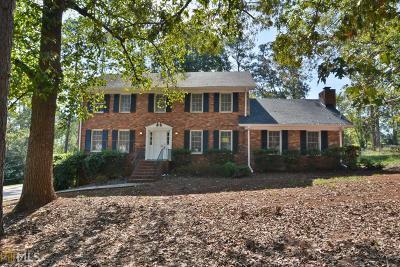 Lilburn Single Family Home For Sale: 4426 Cedar Wood Dr