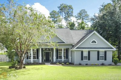 Kingsland Single Family Home New: 102 Maybird Dr