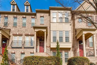 Condo/Townhouse For Sale: 1004 E Paces Chase