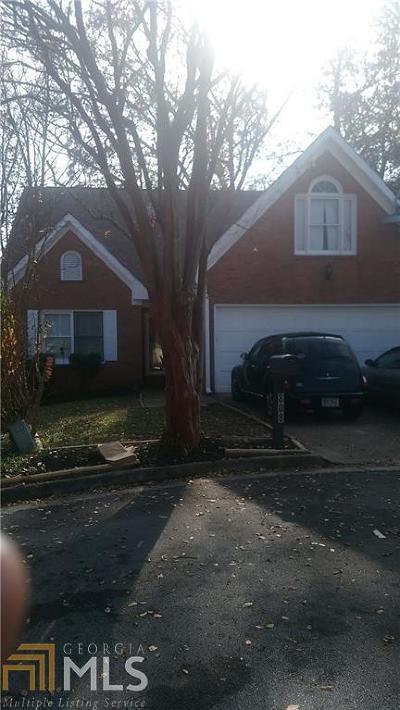 Clarkston Single Family Home Under Contract: 808 Mountbury Ct
