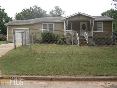 Atlanta Single Family Home New: 1121 Pluma Dr