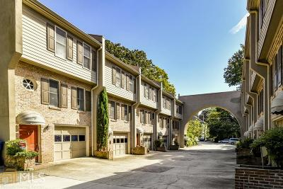 Condo/Townhouse Under Contract: 856 St Charles Ave #10
