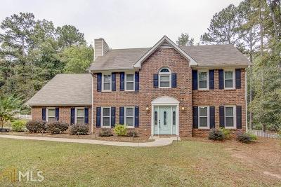 Fayetteville Single Family Home For Sale: 240 Windsor Dr