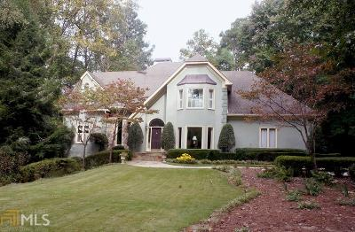 Roswell, Sandy Springs Single Family Home For Sale: 7585 Bridgegate Ct