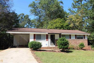 Conyers Single Family Home Under Contract: 3075 Sunset Rd