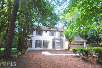 Roswell Single Family Home For Sale: 160 Winterberry Ct
