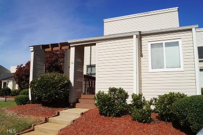 Carroll County Condo/Townhouse For Sale: 330 Berry Ct