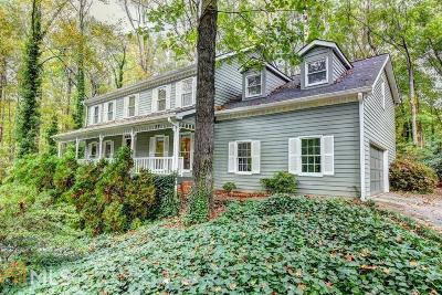 Roswell Single Family Home For Sale: 275 Waverly Trce