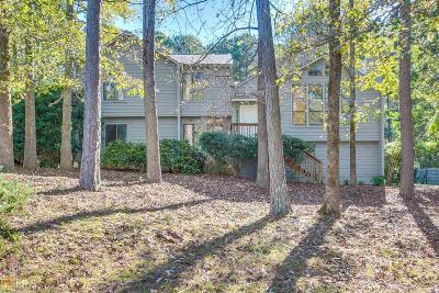 Snellville Single Family Home For Sale: 3860 Forest Dawn Ct