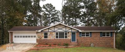 Lilburn Single Family Home For Sale: 158 Jennifer Ln