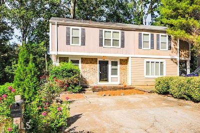 Smyrna Condo/Townhouse Under Contract: 1390 Ridgecrest Ln