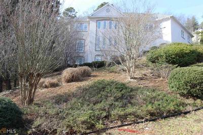 Marietta Single Family Home For Sale: 775 Oak Trl
