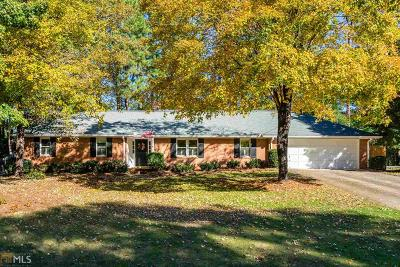Roswell Single Family Home Under Contract: 270 Putting Green Ln