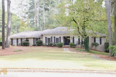 Roswell Single Family Home For Sale: 1055 Windsor Trl