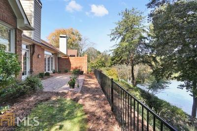Roswell Single Family Home For Sale: 21 Lake Villa Dr