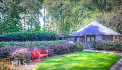 Marietta, Smyrna Condo/Townhouse For Sale: 107 Country Park Dr