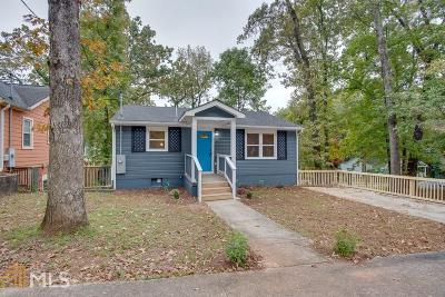 Single Family Home Under Contract: 1478 Hawthorne Way
