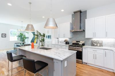 Condo/Townhouse Under Contract: 129 Holiday #B