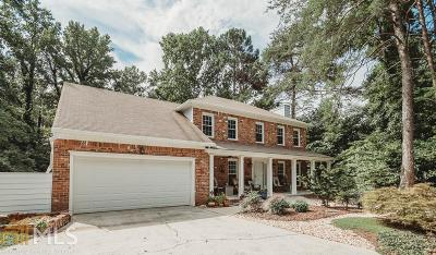 Marietta Single Family Home For Sale: 3824 Running Fox