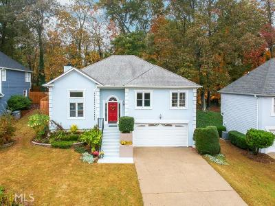 Roswell Single Family Home For Sale: 760 Whitehall Way